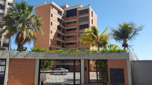 Apartamento En Ventaen Catia La Mar, Playa Grande, Venezuela, VE RAH: 19-6032
