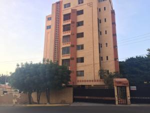 Apartamento En Ventaen Maracaibo, Valle Frio, Venezuela, VE RAH: 19-6147