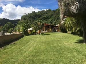 Casa En Ventaen Caracas, Prados Del Este, Venezuela, VE RAH: 19-6057