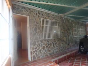 Casa En Ventaen Cagua, Prados De La Encrucijada, Venezuela, VE RAH: 19-6059