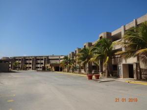 Apartamento En Ventaen Parroquia Caraballeda, Tanaguarena, Venezuela, VE RAH: 19-6092