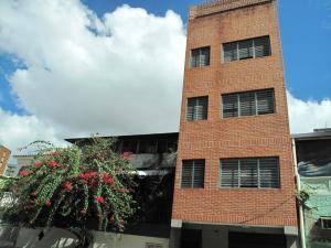 Edificio En Ventaen Caracas, El Paraiso, Venezuela, VE RAH: 19-6115