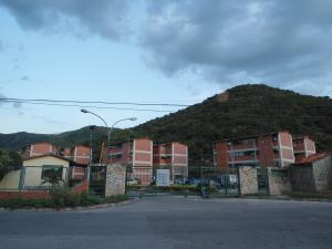 Apartamento En Ventaen Turmero, La Laguna Ii, Venezuela, VE RAH: 19-6208