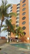 Apartamento En Ventaen Catia La Mar, Playa Grande, Venezuela, VE RAH: 19-989