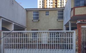Casa En Ventaen Valencia, Los Mangos, Venezuela, VE RAH: 19-6239
