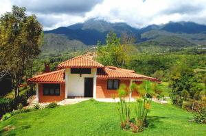 Casa En Ventaen Merida, Avenida 1, Venezuela, VE RAH: 19-6248