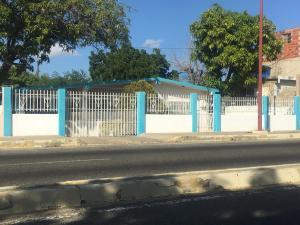 Casa En Ventaen Punto Fijo, Punto Fijo, Venezuela, VE RAH: 19-6320