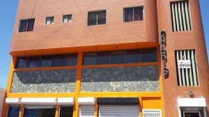 Local Comercial En Ventaen Punto Fijo, Centro, Venezuela, VE RAH: 19-6362