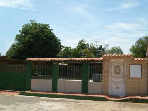 Casa En Ventaen Municipio San Francisco, Sierra Maestra, Venezuela, VE RAH: 19-6380