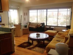 Apartamento En Ventaen Maracaibo, Avenida El Milagro, Venezuela, VE RAH: 19-6438