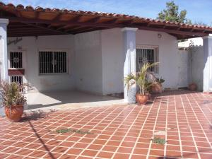 Casa En Ventaen Coro, Av Los Medanos, Venezuela, VE RAH: 19-6472