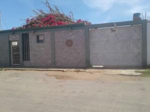 Casa En Ventaen Punto Fijo, Puerta Maraven, Venezuela, VE RAH: 19-6475
