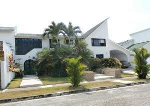 Casa En Ventaen Valencia, Altos De Guataparo, Venezuela, VE RAH: 19-6486