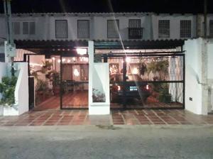 Casa En Ventaen Cabimas, Concordia, Venezuela, VE RAH: 19-6537