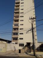 Apartamento En Ventaen Maracaibo, Las Delicias, Venezuela, VE RAH: 19-6551