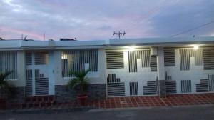 Casa En Ventaen Maracaibo, La Picola, Venezuela, VE RAH: 19-6552