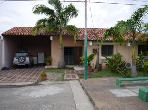 Casa En Ventaen Cabudare, Santa Cecilia, Venezuela, VE RAH: 19-6559