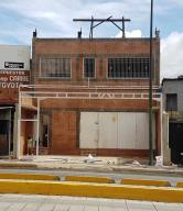 Edificio En Ventaen Caracas, Parroquia Santa Rosalia, Venezuela, VE RAH: 19-6567