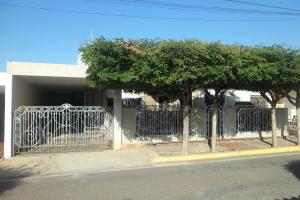 Casa En Ventaen Maracaibo, Santa Fe, Venezuela, VE RAH: 19-6611