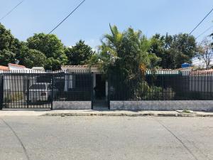 Casa En Ventaen Maracay, Los Samanes, Venezuela, VE RAH: 19-6799