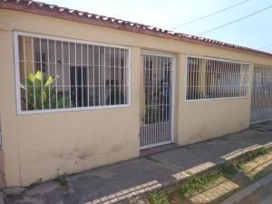 Casa En Ventaen Valencia, Flor Amarillo, Venezuela, VE RAH: 19-6648