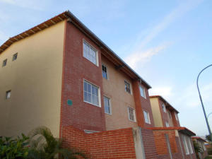 Apartamento En Ventaen Guatire, Alto Grande, Venezuela, VE RAH: 19-6705