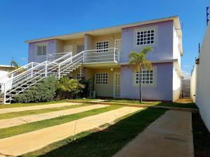 Apartamento En Ventaen Coro, Sector Sur La Paz, Venezuela, VE RAH: 19-6742