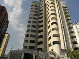 Apartamento En Ventaen Valencia, La Trigaleña, Venezuela, VE RAH: 19-6896