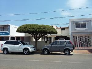 Casa En Ventaen Maracaibo, Lago Mar Beach, Venezuela, VE RAH: 19-6906