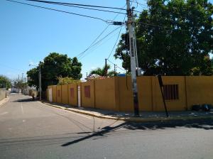 Casa En Ventaen Maracaibo, Santa Maria, Venezuela, VE RAH: 19-7018