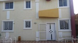 Townhouse En Ventaen Maracaibo, Club Hipico, Venezuela, VE RAH: 19-7965