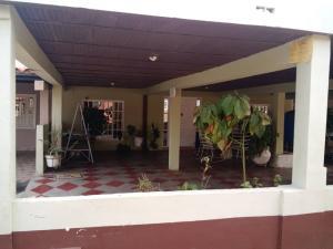 Townhouse En Ventaen Ciudad Ojeda, Vargas, Venezuela, VE RAH: 19-7215