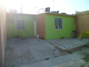 Casa En Ventaen Municipio Los Guayos, Buenaventura, Venezuela, VE RAH: 19-7174
