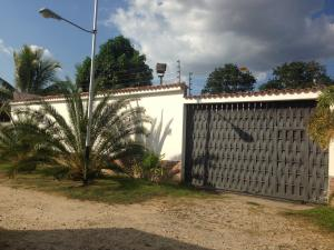 Casa En Ventaen Municipio San Diego, Las Morochas I, Venezuela, VE RAH: 19-7193