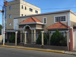 Townhouse En Alquileren Ciudad Ojeda, Bermudez, Venezuela, VE RAH: 19-7201