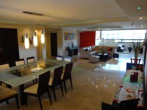 Apartamento En Ventaen Caracas, Prado Humboldt, Venezuela, VE RAH: 19-7217