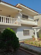 Casa En Ventaen Maracaibo, Calle 72, Venezuela, VE RAH: 19-7246