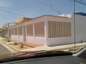 Casa En Ventaen Punto Fijo, Santa Irene, Venezuela, VE RAH: 19-7252