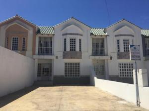 Townhouse En Ventaen Punto Fijo, Los Caciques, Venezuela, VE RAH: 19-7258