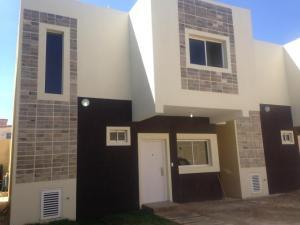 Townhouse En Ventaen Punto Fijo, Santa Fe, Venezuela, VE RAH: 19-7260