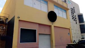 Local Comercial En Alquileren Maracay, La Maracaya, Venezuela, VE RAH: 19-7326