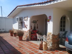 Casa En Ventaen Maracay, Palma Real, Venezuela, VE RAH: 19-7420