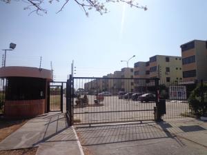 Apartamento En Ventaen Municipio Los Guayos, Paraparal, Venezuela, VE RAH: 19-7457