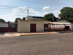 Casa En Ventaen Municipio San Francisco, Sierra Maestra, Venezuela, VE RAH: 19-7550