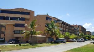 Apartamento En Ventaen Higuerote, Agua Sal, Venezuela, VE RAH: 19-7561