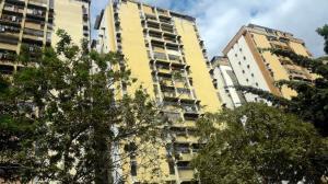 Apartamento En Ventaen Maracay, Urbanizacion El Centro, Venezuela, VE RAH: 19-7615
