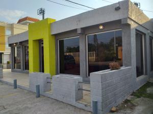 Local Comercial En Alquileren Ciudad Ojeda, Piar, Venezuela, VE RAH: 19-7625
