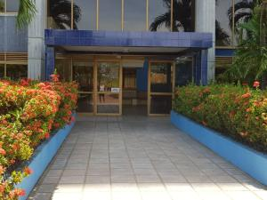 Apartamento En Ventaen Higuerote, Ciudad Balneario Higuerote, Venezuela, VE RAH: 19-7638
