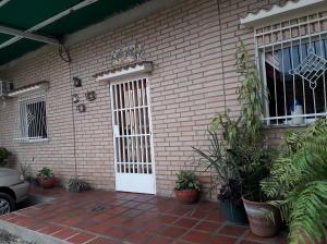 Casa En Ventaen Maracay, La Candelaria, Venezuela, VE RAH: 19-7709