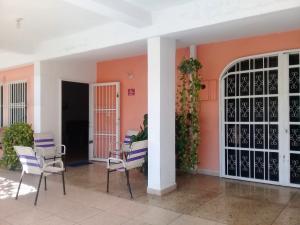 Casa En Ventaen Palo Negro, Conjunto Residencial Palo Negro, Venezuela, VE RAH: 19-7710